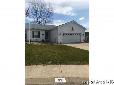 Jacksonville IL Single Family Home For Sale: $158,900
