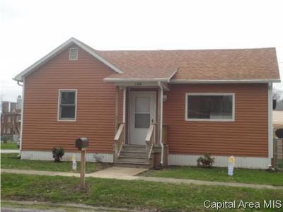 Morrisonville Single Family Home For Sale: 106 E North St