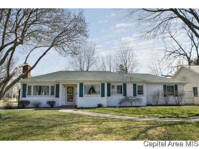 Auburn Single Family Home For Sale: 405 S 7th St