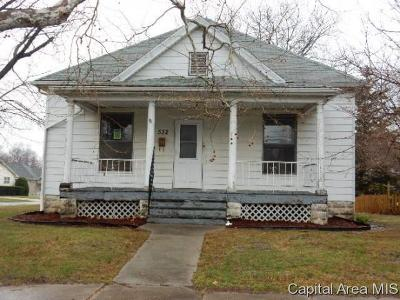 Carlinville Single Family Home For Sale: 532 S Plum St