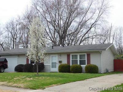 Springfield Single Family Home For Sale: 1377 Crestview Dr