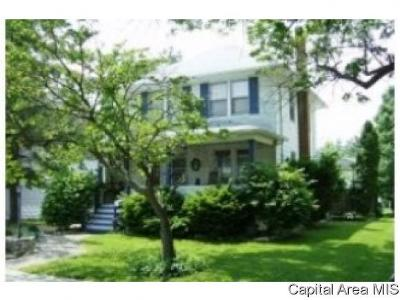 Carlinville Single Family Home For Sale: 934 N Johnson