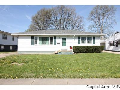 Springfield Single Family Home For Sale: 13 Adloff Ln