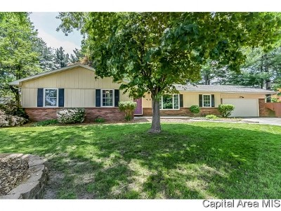 Chatham Single Family Home For Sale: 48 Woodmere Ln