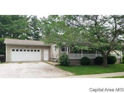 Jacksonville IL Single Family Home For Sale: $62,000