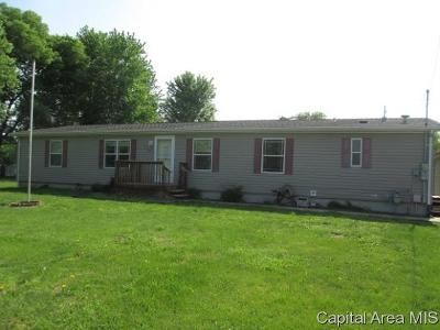 Jacksonville IL Single Family Home For Sale: $99,900