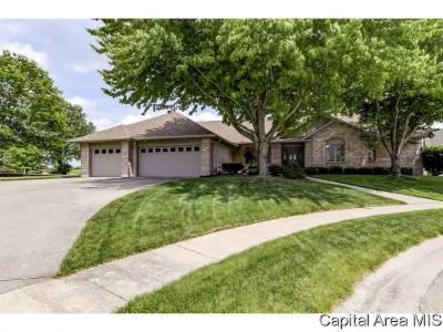 Springfield Single Family Home For Sale: 5008 Foxfire Ct