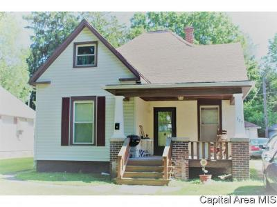 Jacksonville IL Single Family Home For Sale: $84,900