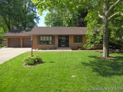 Springfield Single Family Home For Sale: 2060 Greenbriar Rd