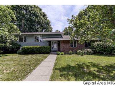 Waverly Single Family Home For Sale: 408 S Curtiss St