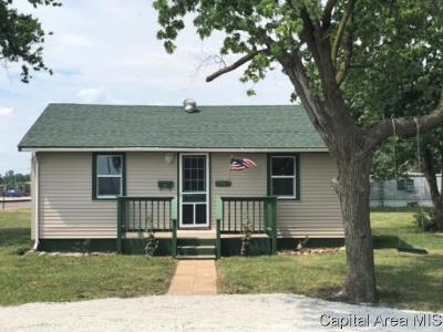 Girard Single Family Home For Sale: 204 E Monroe St