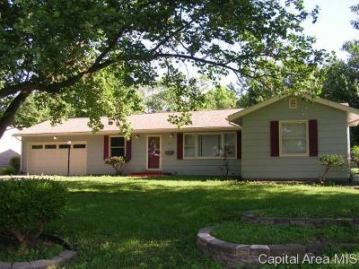 Jacksonville IL Single Family Home For Sale: $119,900