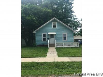 Jacksonville IL Single Family Home For Sale: $54,900