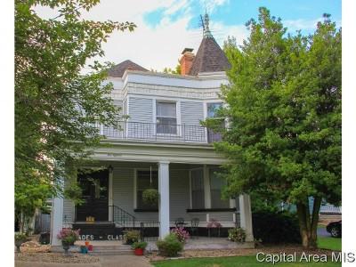 Carlinville Single Family Home For Sale: 418 E Main St