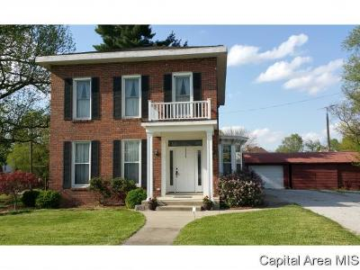 Carlinville Single Family Home For Sale: 404 E 2nd South St