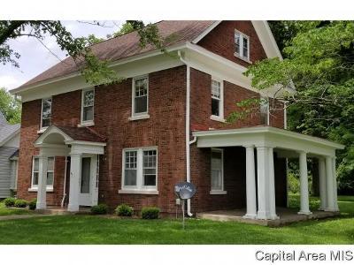 Carlinville Single Family Home For Sale: 504 E 1st North St