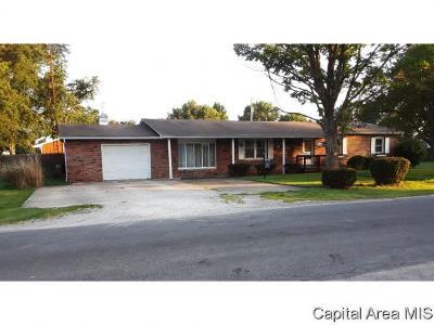Carlinville Single Family Home For Sale: 747 Killam Street
