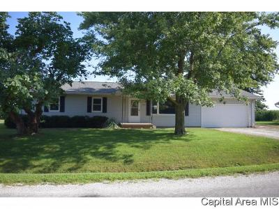Jacksonville IL Single Family Home For Sale: $82,900
