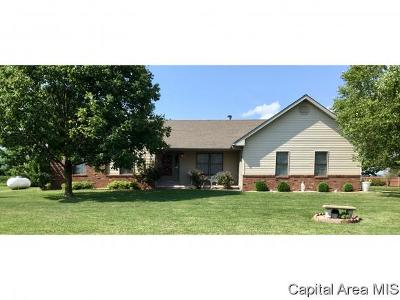 Jacksonville IL Single Family Home For Sale: $172,500