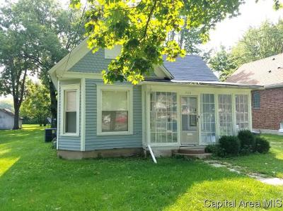 Jacksonville IL Single Family Home For Sale: $56,000