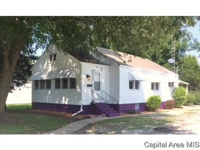 Virden Single Family Home For Sale: 221 W Jackson St