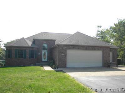 Jacksonville IL Single Family Home For Sale: $289,500