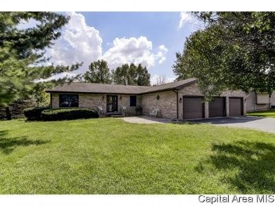 New Berlin Single Family Home For Sale: 7705 Old Salem Ln