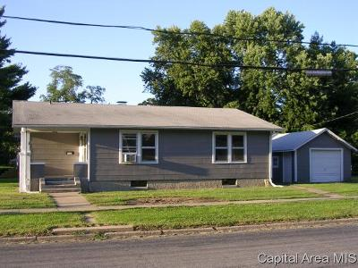 Jacksonville IL Single Family Home For Sale: $57,900