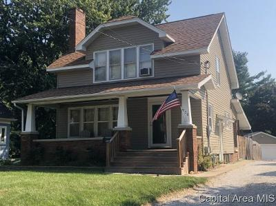 Jacksonville IL Single Family Home For Sale: $129,900
