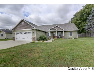 Athens Single Family Home For Sale: 203 Barn Hollow