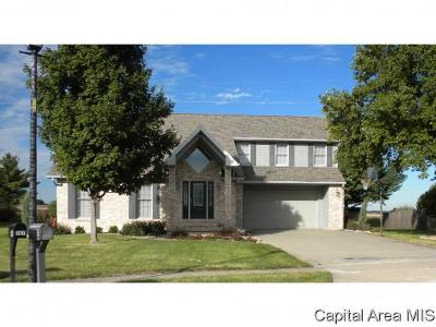 Jacksonville IL Single Family Home For Sale: $274,900