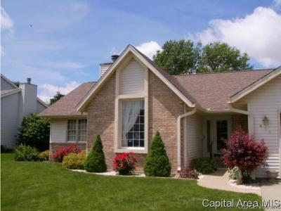 Jacksonville IL Single Family Home For Sale: $214,900