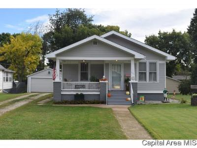 Jacksonville IL Single Family Home For Sale: $94,900