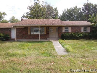 Carlinville Single Family Home For Sale: 727 Johnson