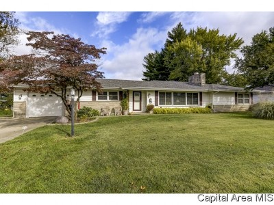 Springfield Single Family Home For Sale: 1025 Green Acres Ln