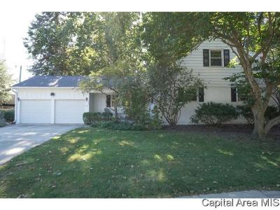 Springfield Single Family Home For Sale: 2000 Barberry Dr