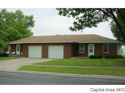 Jacksonville IL Multi Family Home For Sale: $165,000