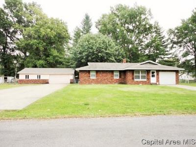 Taylorville Single Family Home Pending Continue to Show: 208 S Parker Ave