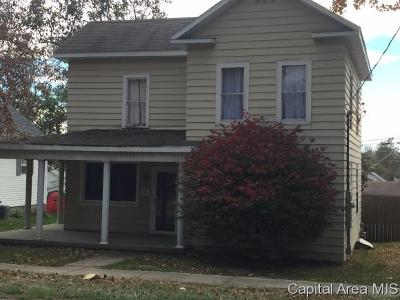 Taylorville IL Single Family Home For Sale: $44,900