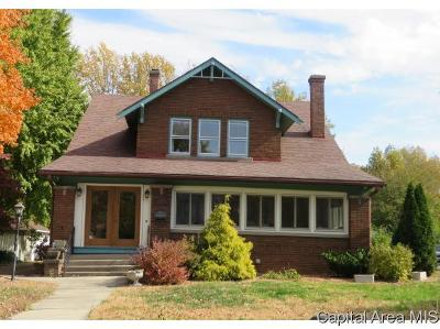 Jacksonville IL Single Family Home For Sale: $174,900