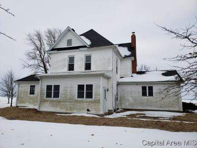 Jacksonville IL Single Family Home For Sale: $95,000