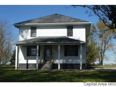 Morrisonville Single Family Home For Sale: 243 E 500 North Road