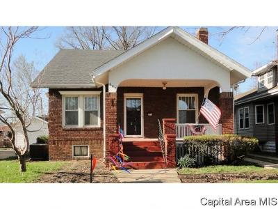 Taylorville Single Family Home For Sale: 805 W Main Cross