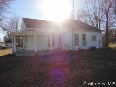 Morrisonville Single Family Home For Sale: 309 N Gertrude