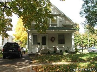 Taylorville IL Single Family Home For Sale: $95,000