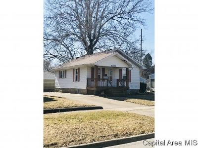 Taylorville IL Single Family Home For Sale: $62,000