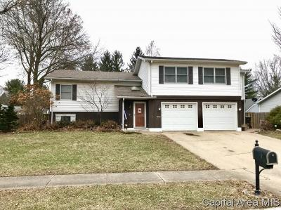 Jacksonville IL Single Family Home For Sale: $199,900