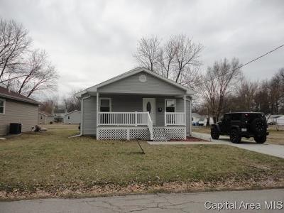 Taylorville Single Family Home For Sale: 812 E Stevenson