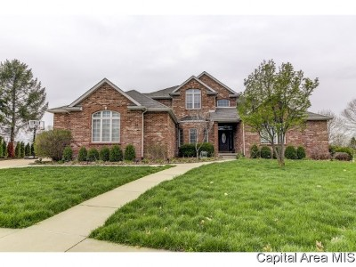 Springfield Single Family Home For Sale: 4605 Wildcat Run