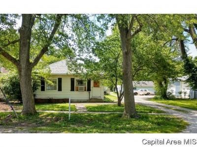 Virden Single Family Home For Sale: 419 S Church St
